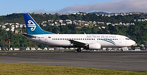 Boeing 737-300 (Air New Zealand) (30b).jpg