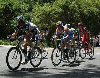 2010 Tour Down Under - Image: Breakaway first lap, Stirling, TDU 2010 Stage 3