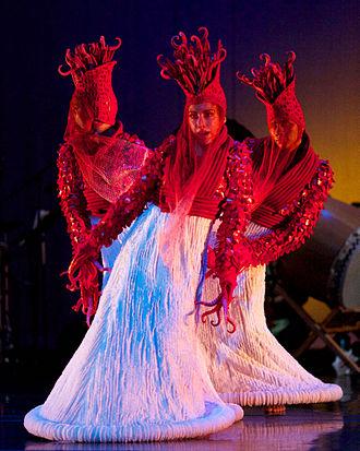 Brenda Wong Aoki - Brenda-Wong-Aoki-MU-red-tipped-worms