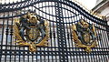 Buckingham Palace gate (2329026339).jpg