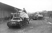 """Bundesarchiv Bild 101I-297-1701-28, Im Westen, Panzer """"Marder I"""""""