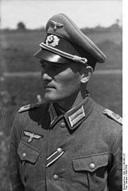 Bundesarchiv_Bild_101I-748-0091-37,_Russland,_Major_der_Division_Großdeutschland.jpg