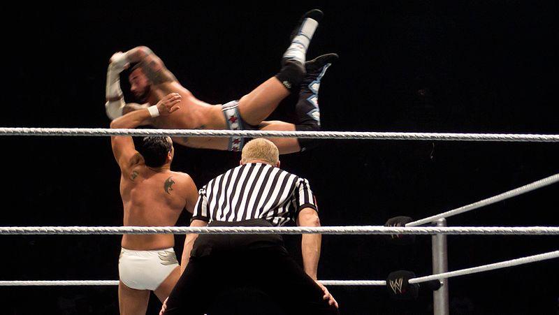 File:CM Punk vs Alberto Del Rio (6345316433).jpg