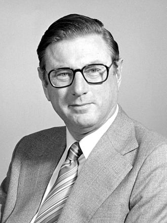Paul Wild (Australian scientist) - Paul Wild when chairman of CSIRO