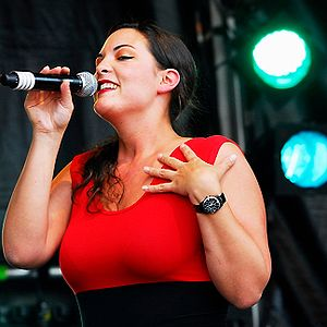 English: Dutch jazz singer Caro Emerald at Zoe...