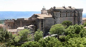 Gordes - The view from north of the castle shows the ancient and the Renaissance parts.
