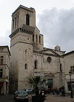 Cathédrale Nîmes.JPG