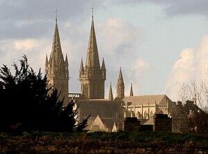Saint-Pol-de-Léon Cathedral - A view of Saint Paul Aurélien cathedral with its two towers