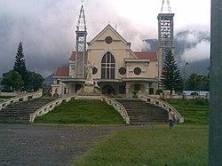 Cathedral Ruteng - panoramio.jpg
