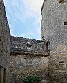 Château de Montaigne - old wing - view from courtyard (26654373010).jpg