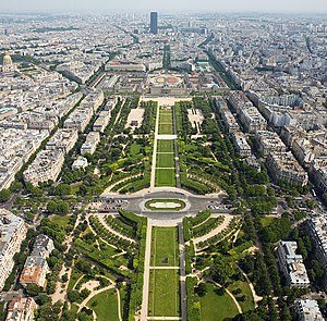 7th arrondissement of Paris - Image: Champ de Mars from the Eiffel Tower July 2006 edit
