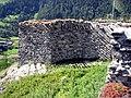 Chaschinas Mauer1.jpg