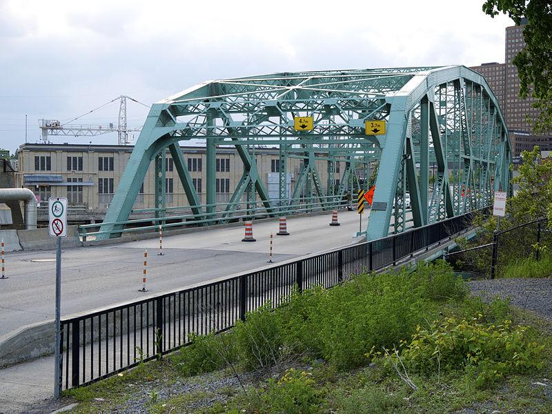 Chaudiere Bridge 2013.jpg
