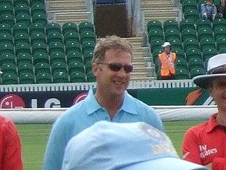 Chris Broad (cricketer)