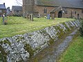 Churchyard, Claydon - geograph.org.uk - 142338.jpg