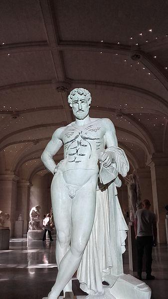 File:Cincinnatus, de Denis Foyatier, revue par Zep Palais des Beaux-Arts de Lille .jpg