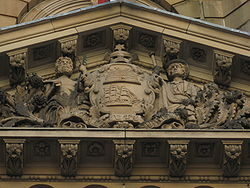 Coat of arms of Sydney at Town Hall.jpg