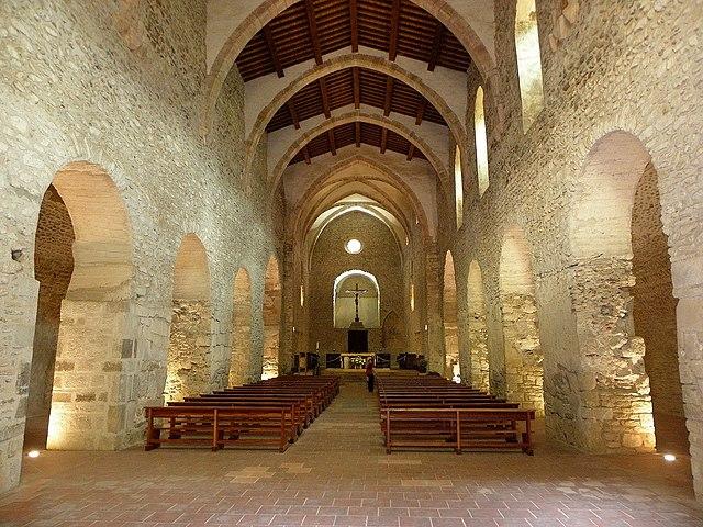 Abbaye Saint Michel de Cuxa (Codalet) - монастырь Сан-Мигель де Кюкса в Кодале, Восточные Пиренеи, регион Лангедок-Русильон, Франция - путеводитель,описание