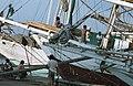Collectie NMvWereldculturen, TM-20020635, Dia, 'Buginese prauwen langs de kade in de haven Sunda Kelapa', fotograaf Henk van Rinsum, 1980.jpg