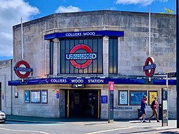 Colliers Wood station.jpg