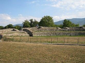 Origin of the Romanians - Image: Colonia Dacica Sarmizegetusa 2011 Amphitheater 5