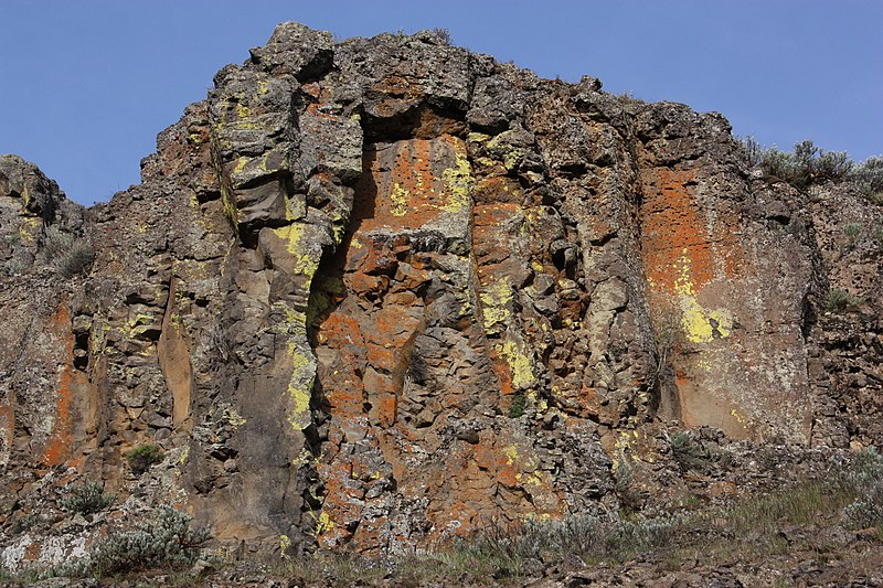 File:Columbia River Basalt Group 1675.JPG