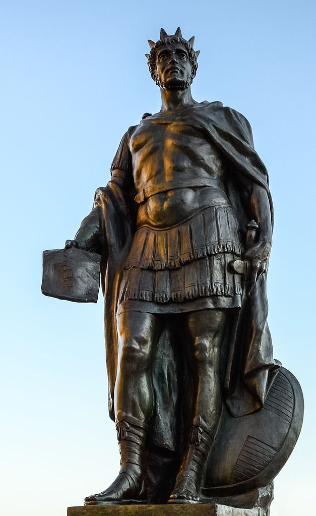 a description of constantine the great No description by sylwia jurkowski on 12 november 2015 tweet comments constantine summoned an assembly of bishops, telling them that constantine the great + christianity + architecture.