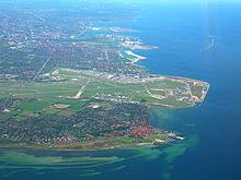 Kastrup liegt nördlich des Flughafens Kopenhagen-Kastrup