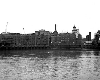 Bermondsey - Butler's Wharf and Courage Brewery, 1971