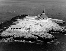 Cuckolds Lighthouse Maine1975.JPG