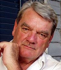 http://upload.wikimedia.org/wikipedia/commons/thumb/0/0e/David_Irving.jpg/200px-David_Irving.jpg