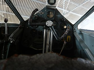 De Havilland Dragon Rapide - Flight deck