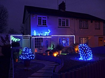 English: Decorated House, Lonsdale Drive, Enfi...