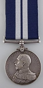 Distinguished Service Medal (UK) Obverse.jpg