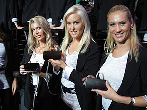 E3 2010 Nintendo Media Event - Nintendo 3DS de...