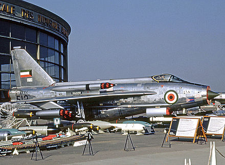 Kuwait Air Force Lightning F.53 in 1969. Note both underwing and overwing SNEB pods - English Electric Lightning