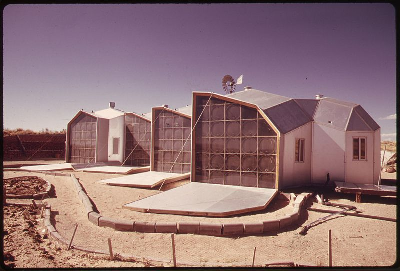 File:EXTERIOR PICTURE OF THE SOUTH FACING WALLS OF A MODULAR SOLAR-HEATED HOME NEAR CORRALES, NEW MEXICO. THE PANELS ARE... - NARA - 555320.jpg
