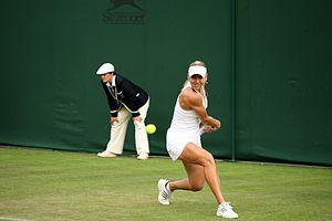 Elena Vesnina - Vesnina at the 2009 Wimbledon Championships