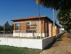 Escuelas de Urdiales del Páramo lateral.jpg