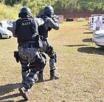 Exercício conjunto de enfrentamento ao terrorismo (27103022342).jpg
