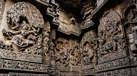 Exteriors Carvings of Shantaleshwara Shrine 02