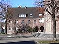FN St Petrus Canisius Pfarrhaus.jpg