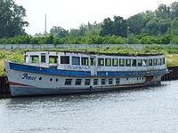Fahrgastschiff Amor.JPG