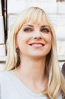 Anna Faris American actress, comedian and singer