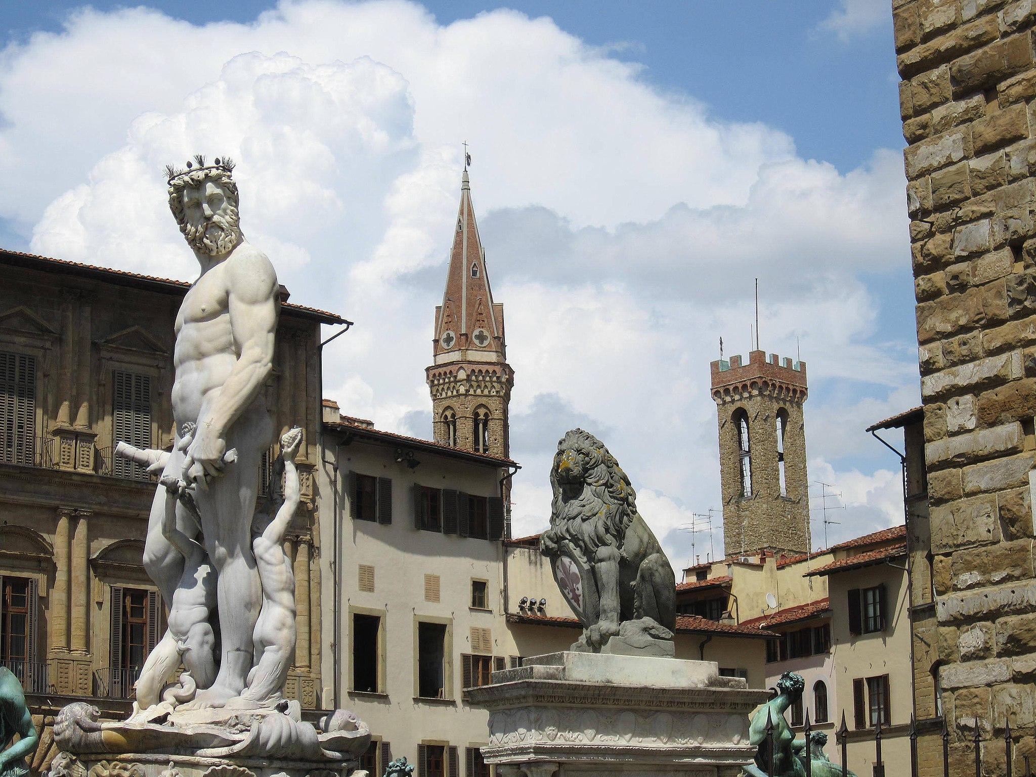 Firenze - Fontana del Nettuno e campanili badia e bargello