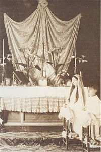 First Communion of Princess Anne and Prince Henri of Orleans.jpg