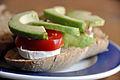 Flickr - cyclonebill - Brød med gedeost, tomat og avocado.jpg