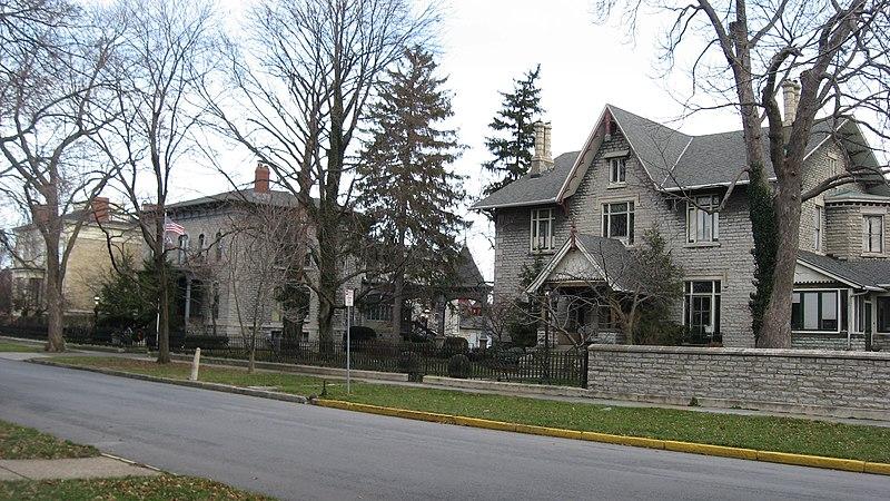 File:Follett-Moss-Moss Residences.jpg
