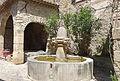 Fontaine des Mascarons, Séguret.jpg