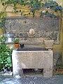 Fontana di Palazzo (via Bisignano n. 4).jpg